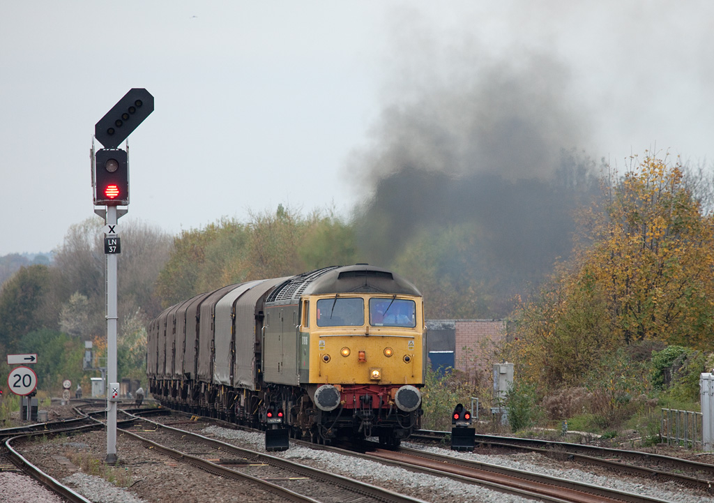 Colas Rail 47812 alias D1916 with the 6Z48 (Burton-upon-Trent to Dollands Moor empty steel) accelerates into Leamington Spa.