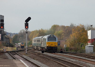Wrexham & Shropshire 67013 in Leamington Spa bound for London Marylebone.