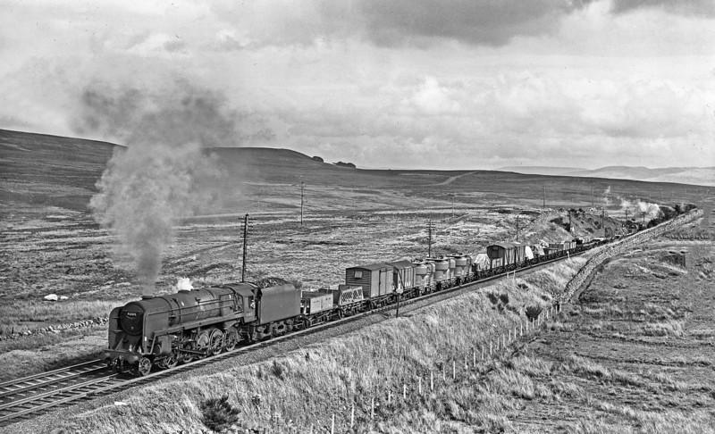 92015 Shap Wells Warrington-Carlisle freight 1965