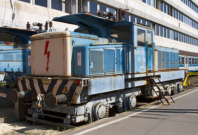 V10 & V11 built 1966 used as carriage warmers at Budapest-Deli. Friday 26th April 2013.
