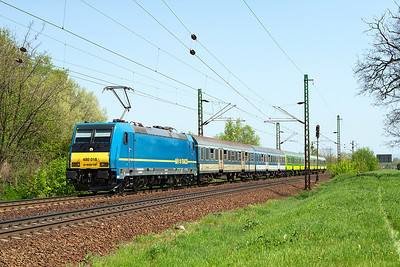 480 018 heads the 12.38 Budapest-Keleti to Györ past Szöny. Thursday 25th April 2013.