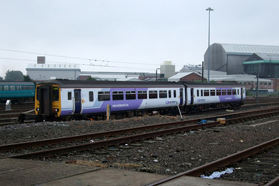 156464 in one of the prototype Northern liveries.