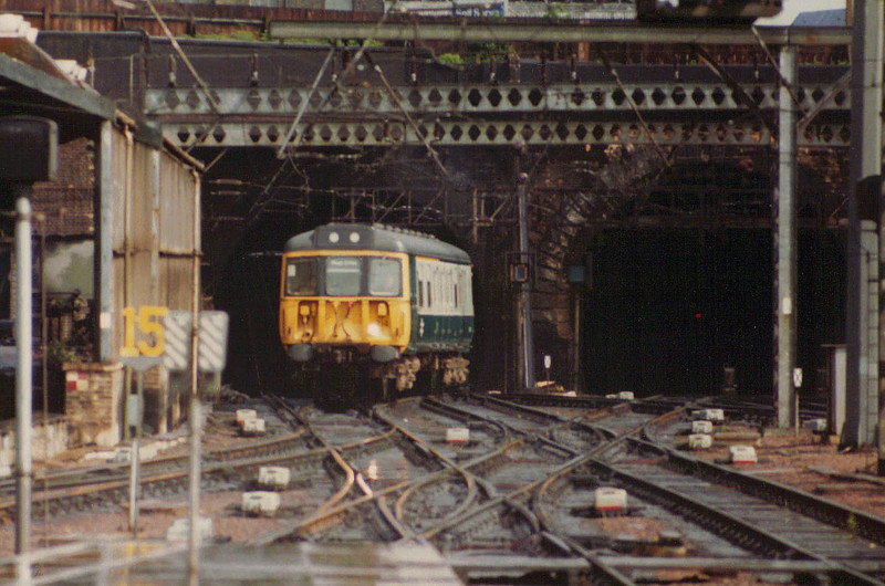 A class 310 arriving at KX in July 1981
