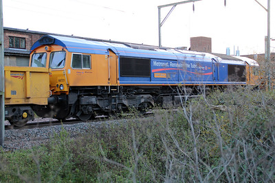 66721 at Mead Lane Crossing, Heretford East during the blockade, 30/10/12.