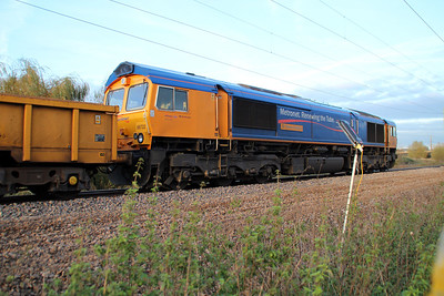 66722 at Mead Lane Crossing, Heretford East during the blockade, 30/10/12.
