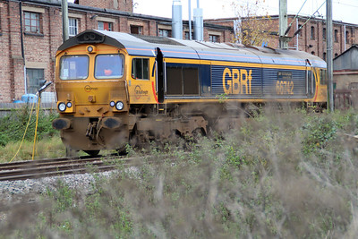 66742 sits just east of Hertford East station on an engineers, ex 6T61 Whitemoor-Hertford East, 28/10/12.