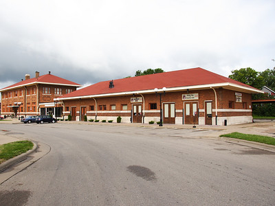 1926 Soo/Milwaukee Road depot, LaCrosse, WI. Serves Amtrak Empire Builder. Renovated 1997.