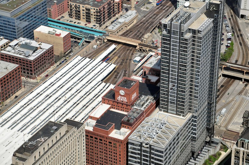 North tracks at Union Station, with the El crossing over