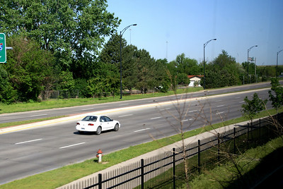 Traffic on Zoo Boulevard seen from train