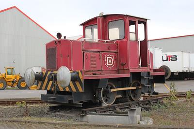 Robert Stephenson & Hawthorns Ltd (RSHN) 0-4-0DM 7900  at AV Dawsons 07/05/11.