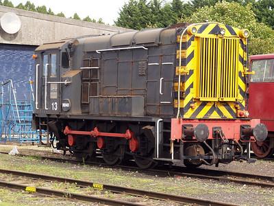 English Electric Vulcan 0-6-0DE H049/13 Long Marston 18/09/10.