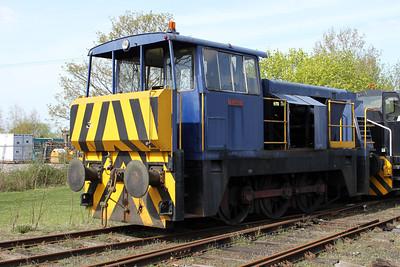 Hunslett Engine Co 0-6-0DH 8902 'Emma' Long Marston 09/04/11.