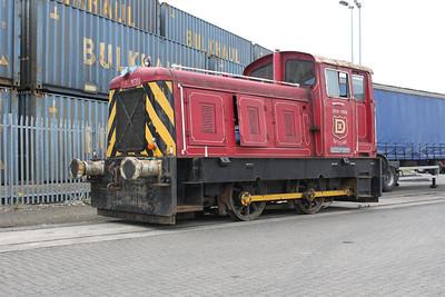 Baguley 0-4-0DM 2725 'Eleanor Dawson' at AV Dawsons 07/05/11.