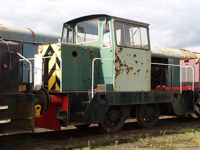 Hunslett Engine Co 0-4-0DH No5/7161 Long Marston 18/09/10.