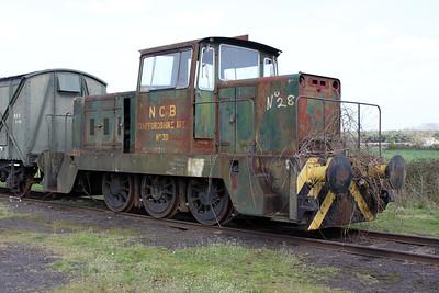 Hunslett Engine Co 0-6-0DH No28/7181 Long Marston 09/04/11.
