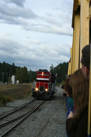 Hear the train a comin', comin' around the bend.....