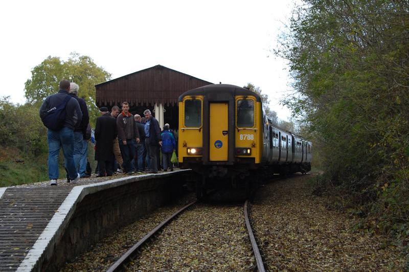 NIR Thumper 458 at Downpatrick Loop Platform, 18th October 2014