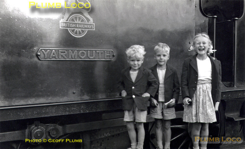 Plumb Family Group, Ryde, Summer 1956