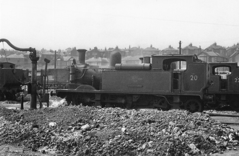 Ryde Shed (70H) on 15/08/64 with W20 Shanklin resting between duties.