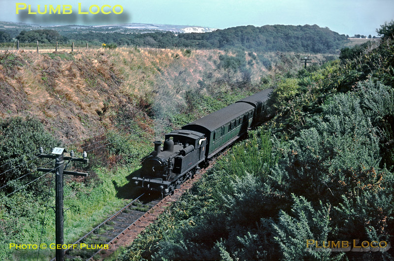 "W22 ""Brading"", Three Arch Bridge, 29th August 1964"