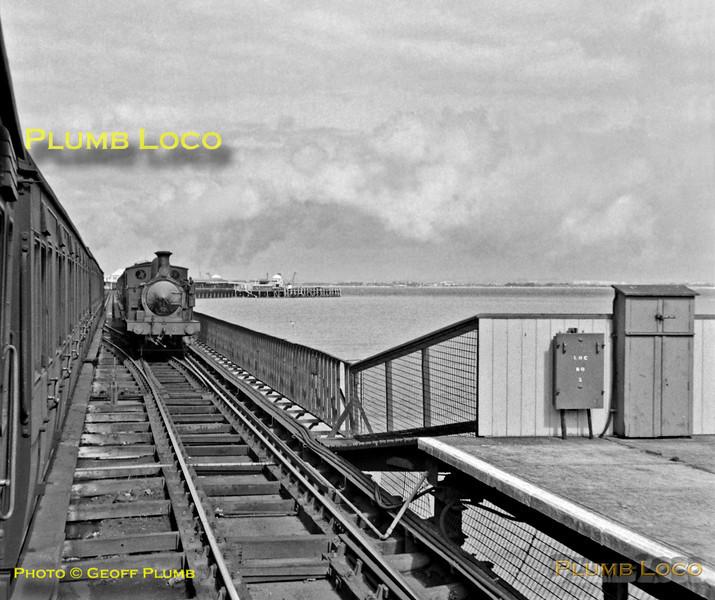 """W22 """"Brading"""", Ryde Pier, 8th September 1962"""