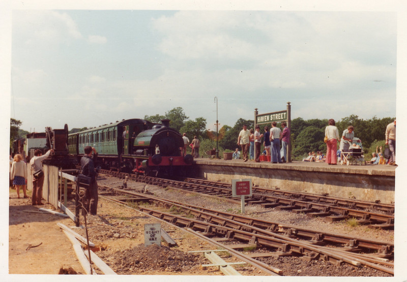 Saddle tank Invincible at Haven Street in June 1975.