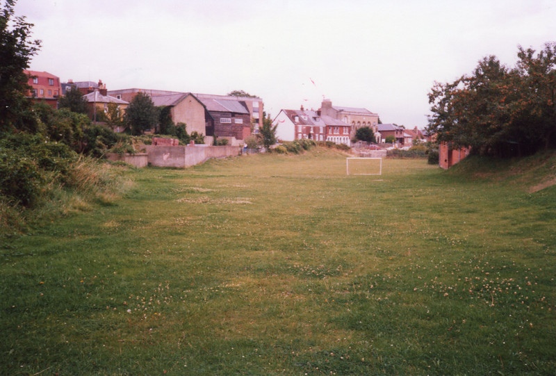 The site of Cowes station in August 1988 - facing north.