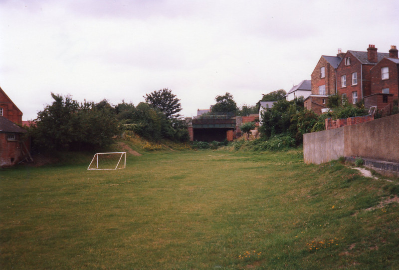The site of Cowes station in August 1988 - facing south.