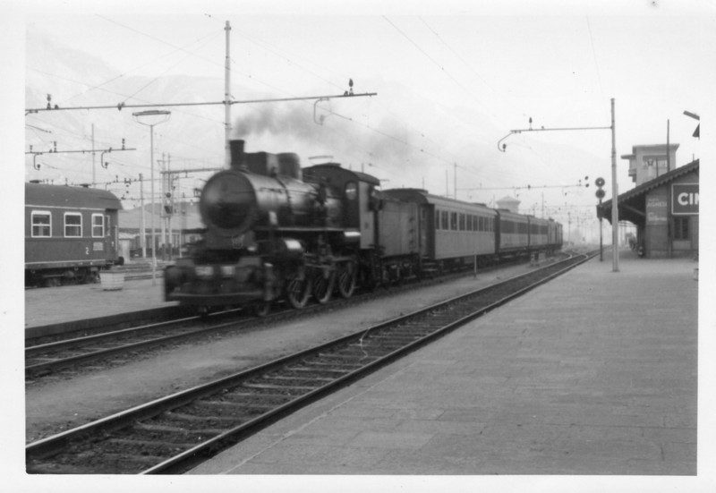 My first sighting of an Italian steam locomotive - in the form of 2-6-0 640.101 at Domodossal on 18/02/68. She was arriving there on the 14 23 from Novaro.