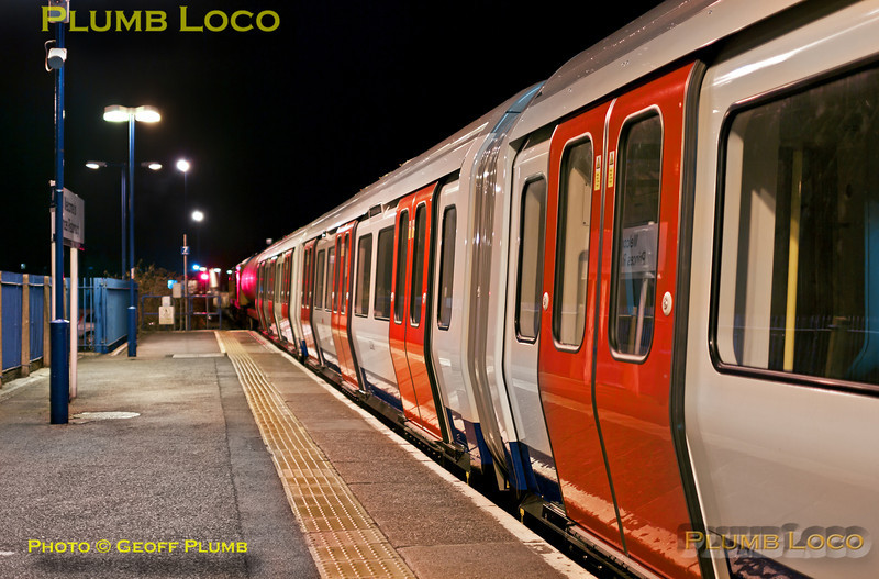 "20901 and 20905 led 7X09 into Princes Risborough at 23:40, prior to reversal for Aylesbury. The train is somewhat longer than the platform, so the locos were well off the end of the platform. This is the LUL ""S"" Stock delivery train from Old Dalby to Neasden and its first run of 2013. Wednesday 2nd January 2013. Digital Image No. GMPI13498."