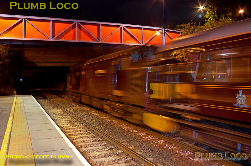 37685 was off the end of the platform on the rear of 1Z32, the 22:46 Royal Scotsman from Haddenham & Thame Parkway to Fletton (arrive 04:13), whilst it was picking up the passengers after their dinner at Le Manoir aux Quat' Saisons. The train is now on the move again and the 37 comes into the light, giving a rather surreal motion blur effect... 22:43, Tuesday 12th July 2011. Digital Image No. GMPI9713.