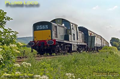D8568, Horsenden Crossing, 5th June 2016