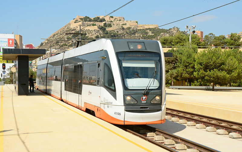 With the Castle dominating the background, tram 4106 passes Sangueta Alicante on service L1 heading for Benidorm.