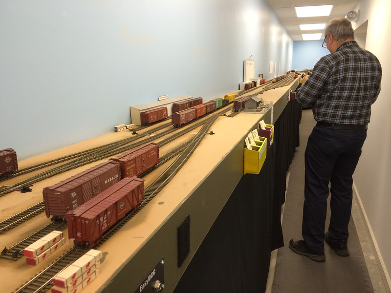 Layout 4 - HO scale - view down an aisle