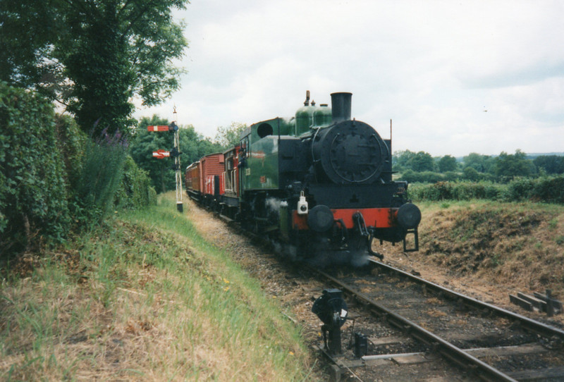 USA 30070 topping Tenterden bank in July 97 - she had been withdrawn at Southampton Docks in September 62.