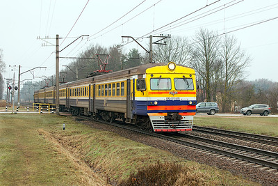 6 car EMU ER2-1317.07R arrives at Ikskile forming Train 6214 Riga to Lielvarde. Tuesday 8th April 2014.