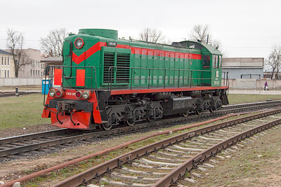 TEM2-1202 comes up the chord from the station area at Daugavpils towards the shed. Tuesday 8th April 2014.