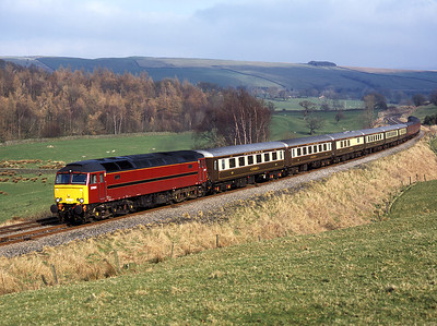 An hour after the peak passed, 57601 hauls another ECS from Sandy-Carnforth with 47854 on the rear.