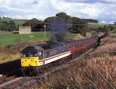 """47826 """"Springburn"""" hauls empty stock from Ferme Park-Carnforth near Giggleswick with 47851 on the rear 24/9/06."""
