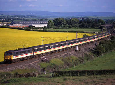 87001 passes Rowell with a Euston-Carlisle train on 7/7/98.