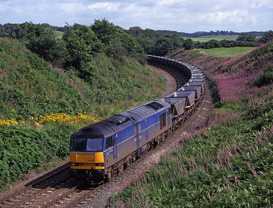 60078 passes through Cowran cutting with an empty MGR train on 15/8/98.