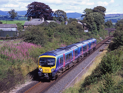 185150 passes Bowston with an Oxenholme-Windermere service 29/7/07.