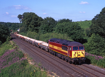 56041 passes Milton with an engineers train on 11/7/99.