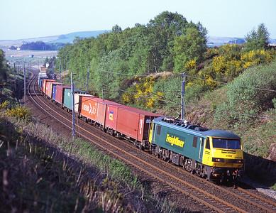 90046 hauls a Coatbridge-Crewe liner train towards Greenholme 12/5/08.
