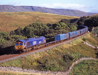 An early evening gypsum train passes Birkett Common on 30/8/07 hauled by 66724.
