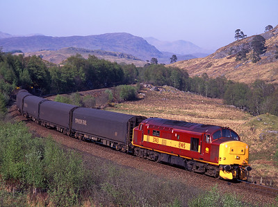 37413 passes Glen Falloch with a southbound freight on 13/5/98.