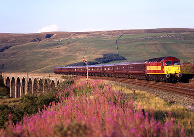 """47786 """"Roy Castle OBE"""" crosses Dandry Mire viaduct with the Royal Scotsman on 26/8/97."""