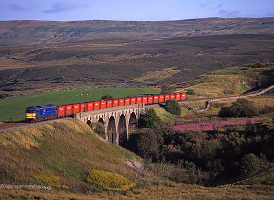 60011 crosses Lunds viaduct with the Gascoigne Wood-Carlisle coal on 30/8/97.