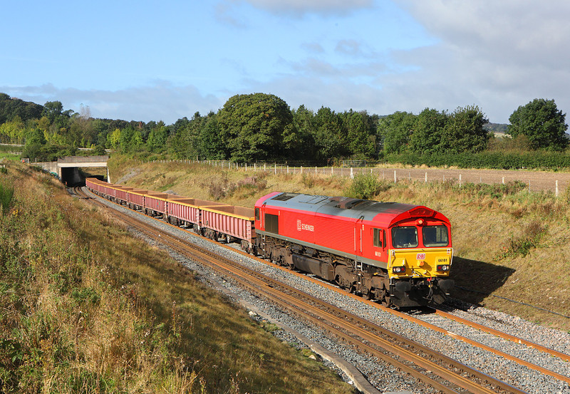 66101 is seen at Broomhaugh whilst working 6T52 the 09.49hrs Carlisle - Chevington engineers train<br /> 29/9/2012