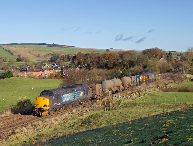 Just two days on the RHTT & starting to look grubby 37602 leads 37609 past Gilsland whilst working 3S78 the 04.39hrs Carlisle Kingmoor - Carlisle Kingmoor, could this be the last year we see class 37s on this train?<br /> 11/11/2017